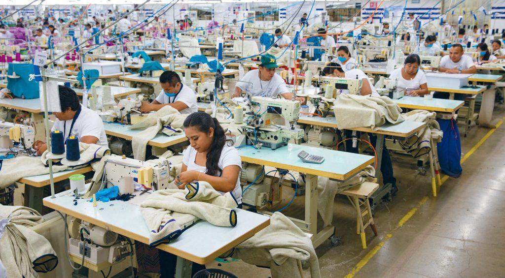 FAIR TRADE - partnerstwo z ludźmi produkującymi nasze ubrania